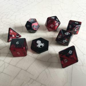Kraken Dice - Projekt KG Crimson Precision Aluminium dice, picture thanks to Melissa of GDH.